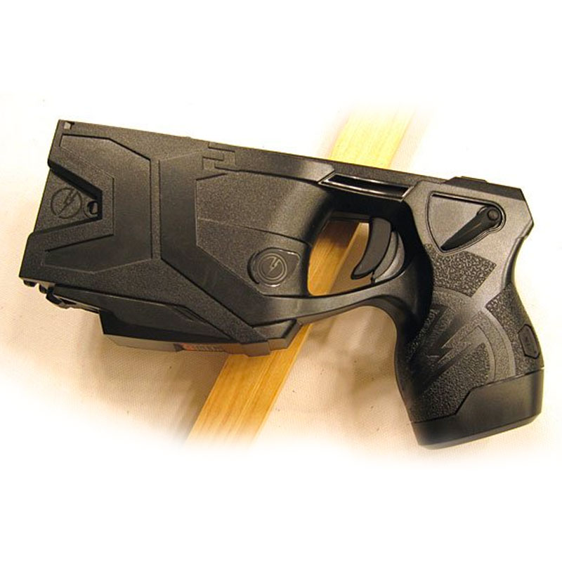 TPD Officer Uses Taser to Subdue a Naked Man