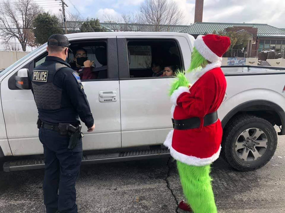 The Grinch getting in on Random Acts of Kindness